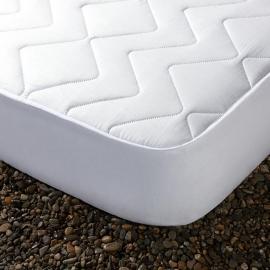 Cubrecolchón Acolchado *ALISA* 100% Microfibra Impermeable